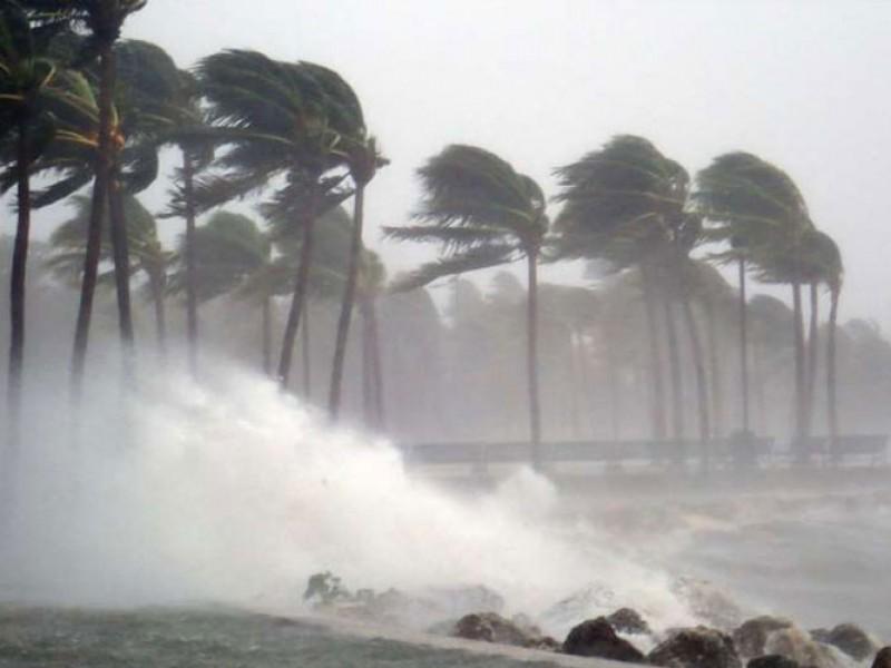 Sigue monitoreo en temporada de huracanes
