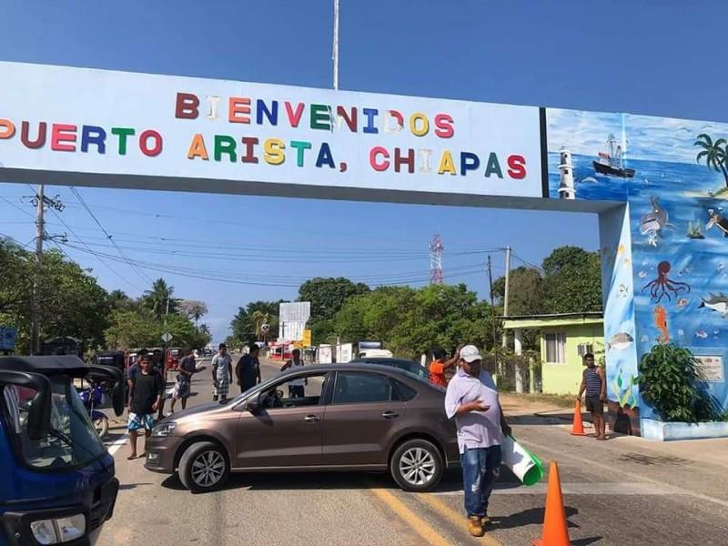 Cierran acceso a Puerto Arista