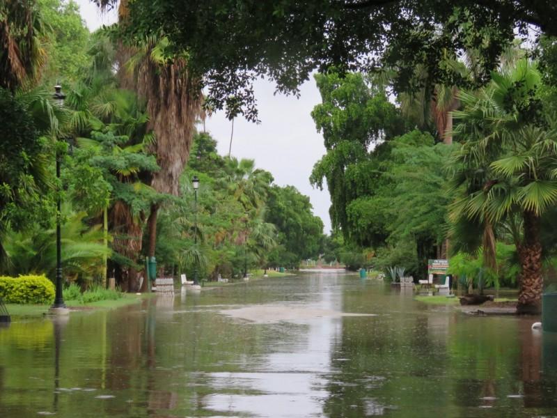 Cierran acceso al Parque Sinaloa por inundaciones