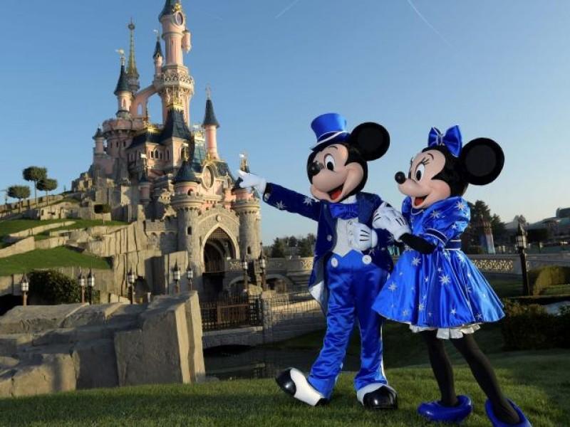 Cierran Disneyland de Florida y París por coronavirus