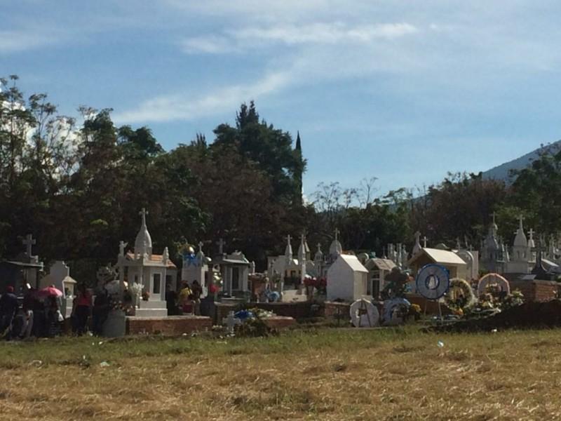 Cierran filas contra dengue en Panteón de Jacona