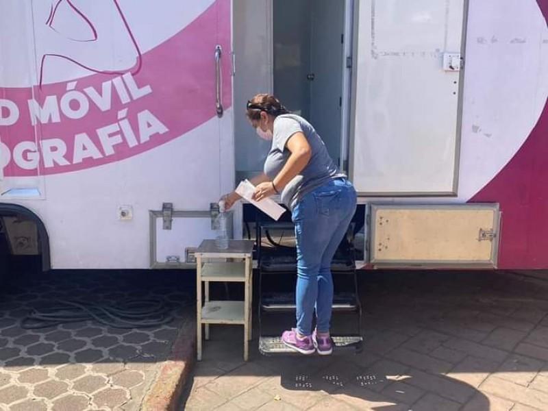 Cierran filas contra el cáncer de mama en Tangancícuaro