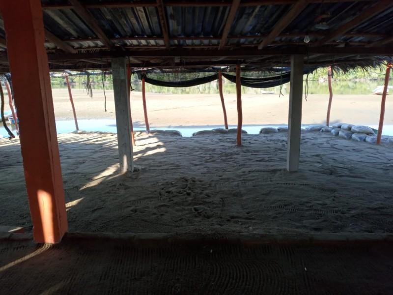 Cierran las 22 enramadas de Barra de Potosí