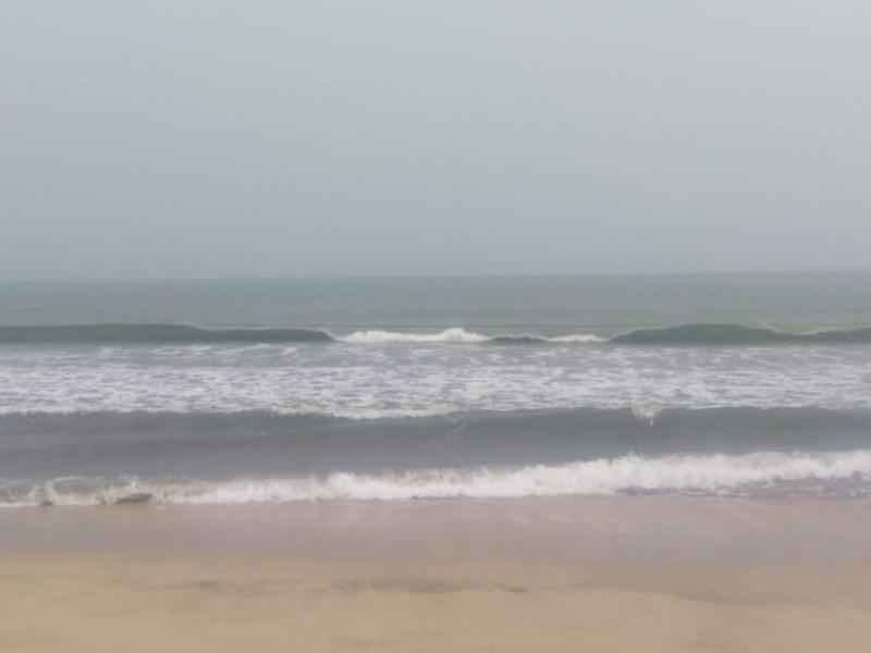 Cierran playas en Bahía de Banderas por