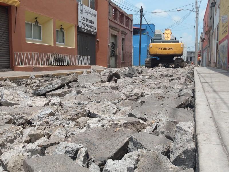Cierran vialidades por reconstrucción de calles