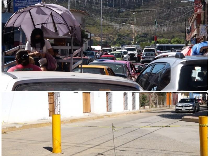 Cierre de vialidad por obras, genera caos vial en Tehuantepec