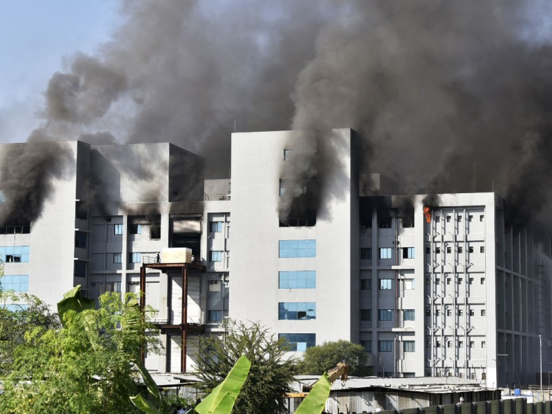Cinco muertos tras incendio en Serum Institute of India