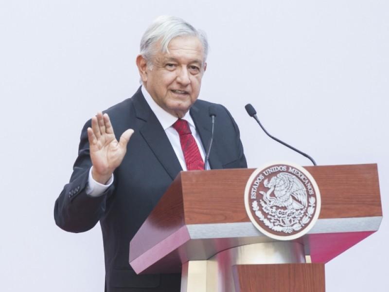 Citibanamex apoyará programas de AMLO