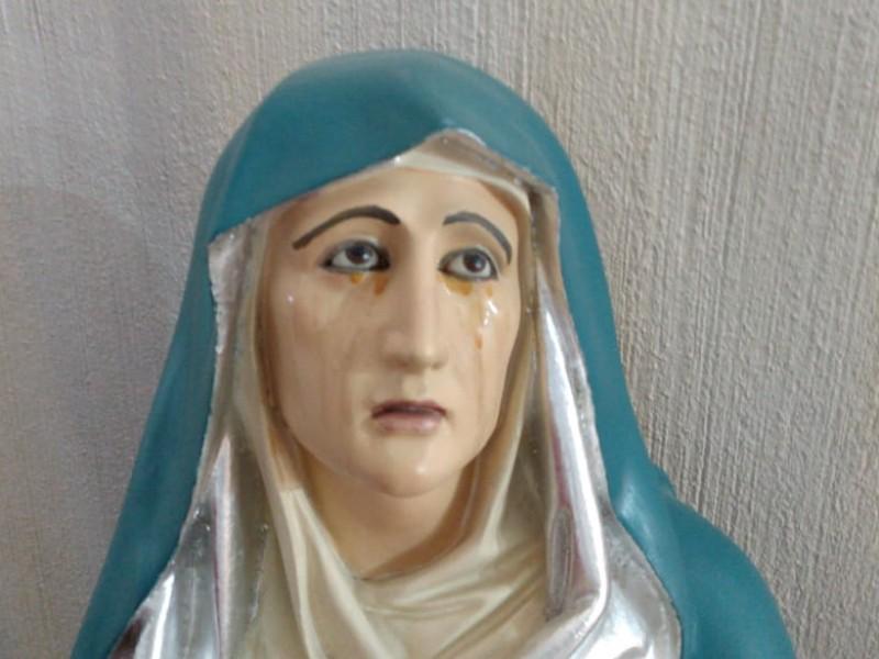 Ciudadanos aseguran que Virgen llora en Parroquia