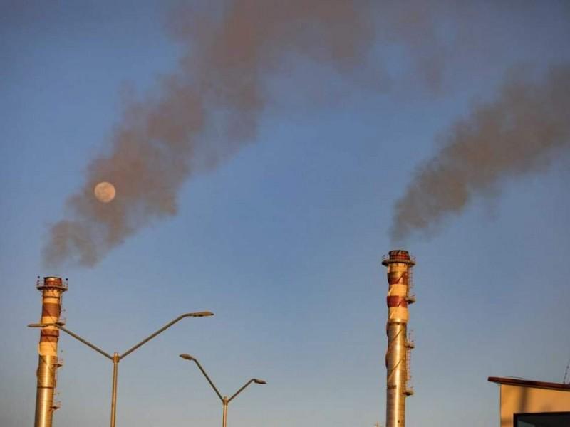 Ciudadanos denuncian a la CFE por contaminar el aire