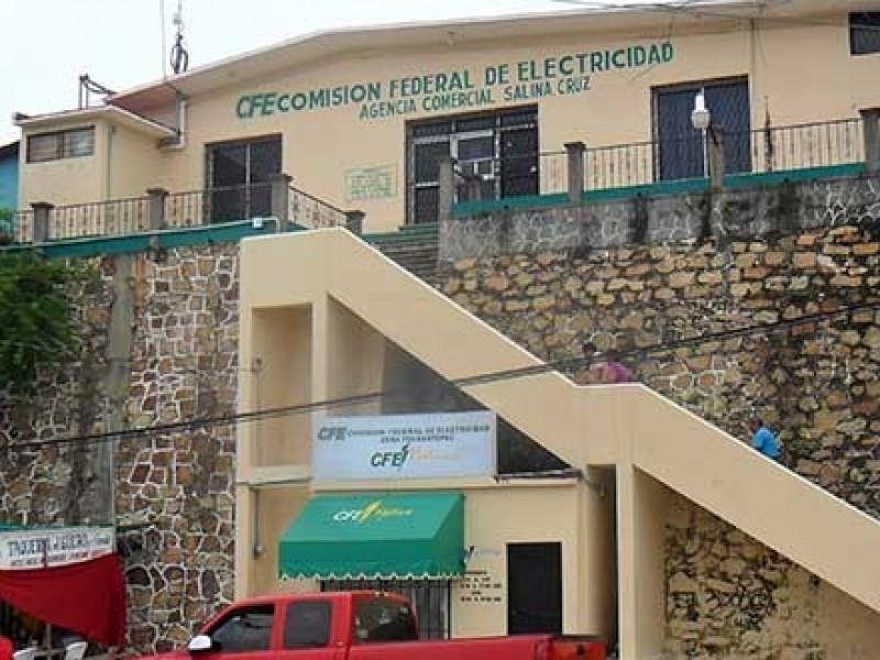 Ciudadanos inconformes con tarifas y servicio de CFE