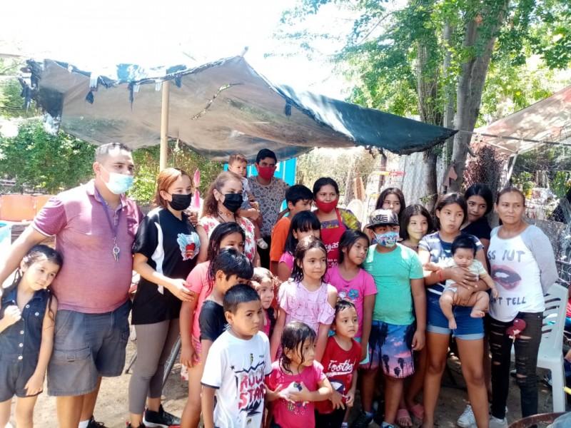 Ciudadanos instalan desayunador comunitario en colonia Altares