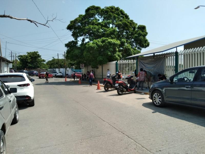 Ciudadanos preocupados por los números de COVID-19 en Salina Cruz