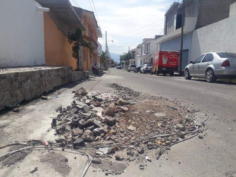 Ciudadanos temen accidentes por baches en Xalisco