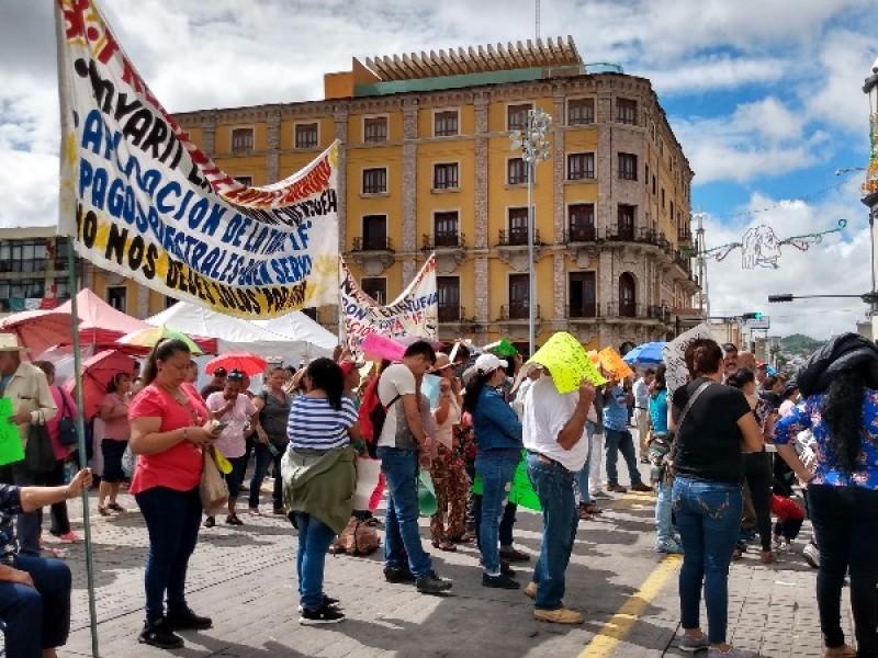 Vuelven a manifestarse en Palacio por tema CFE