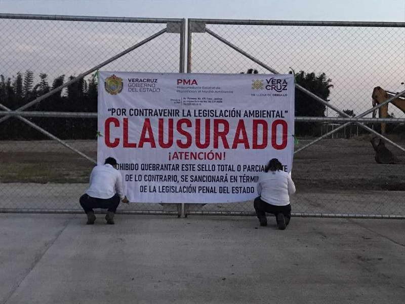 Clausura Procuraduría Estatal del Medio Ambiente, alcoholera en Atoyac.