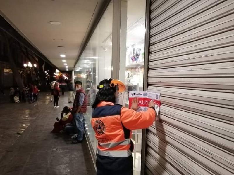 Clausuran 13 establecimientos y cancelan 18 eventos masivos en Puebla