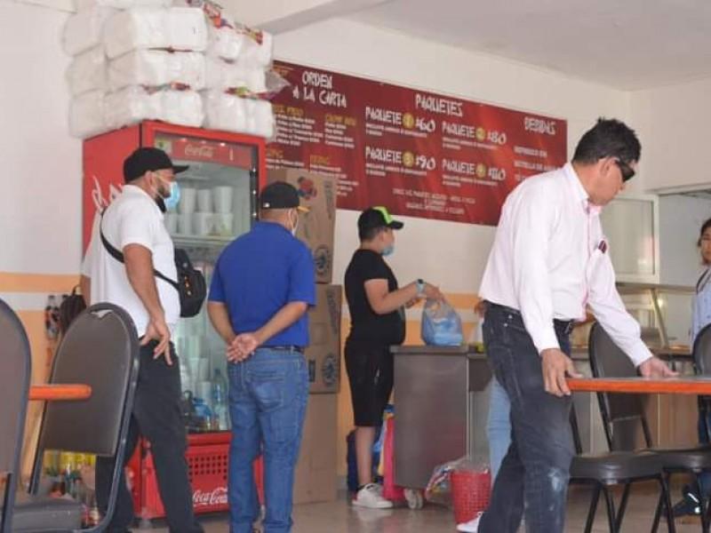 Clausuran comercios en Tecuala durante operativo COVID