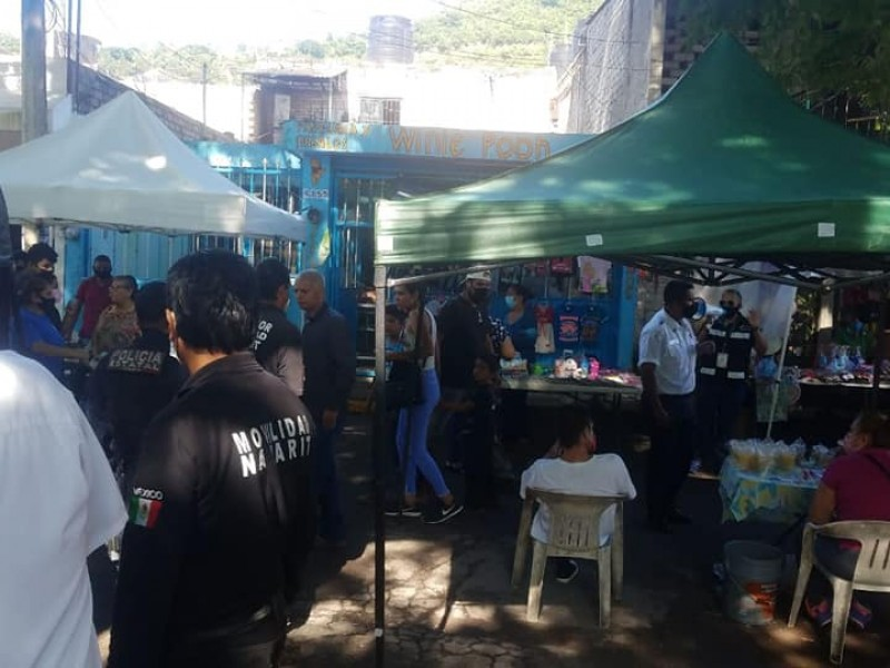 Clausuran tianguis de La Taberna por incumplimiento en medidas sanitarias
