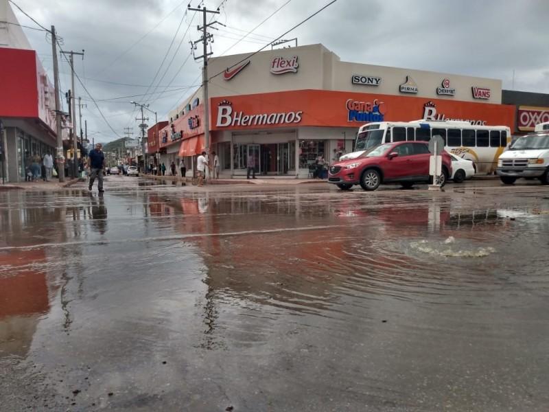 Clorarán las calles de la ciudad por derrames