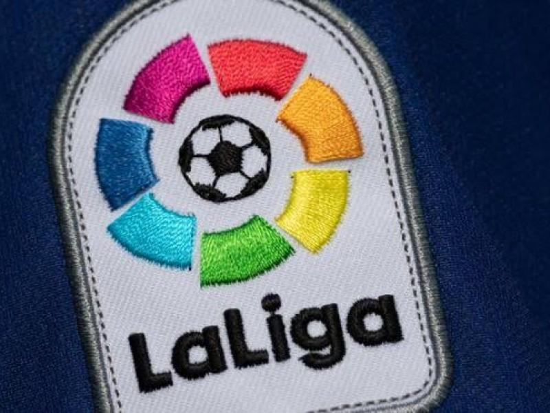 Clubes españoles acuerdan no ceder a futbolistas sudamericanos