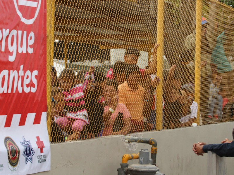CNDH pide un trato digno para migrantes detenidos