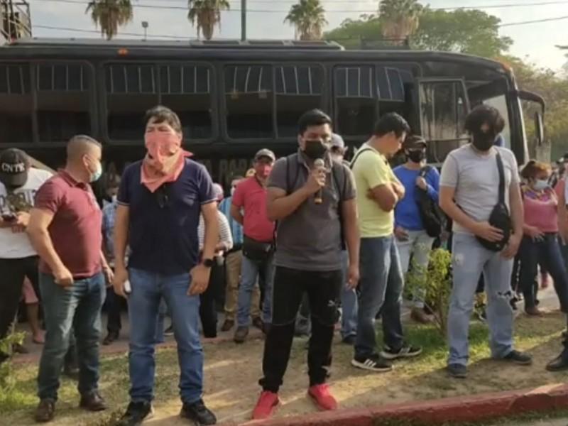 CNTE Chiapas encabeza protestas en FGE. Exigen liberación de normalistas