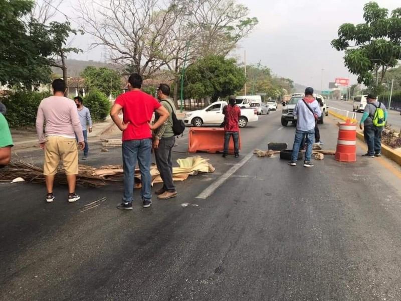 CNTE realiza bloqueos en Chiapas este 1 de mayo