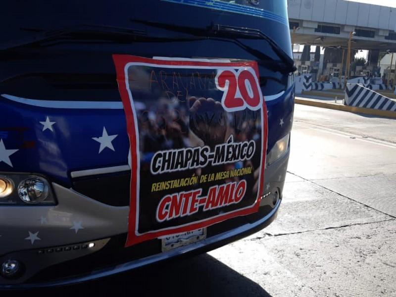CNTE llega en caravana a la Ciudad de México