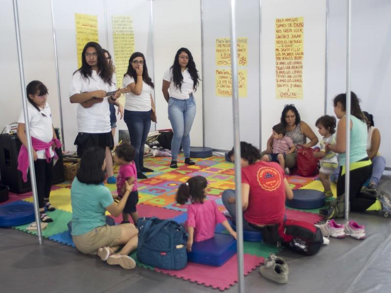Colabora BIUAQ en Simposio Internacional