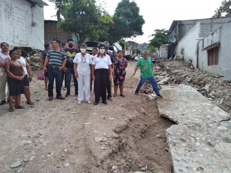 Colapsa obra de drenaje en Patria Nueva