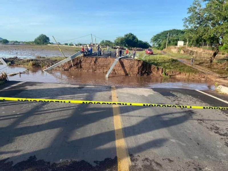 Colapsa puente en la Tuxpan-Peñas por desbordamiento del San Pedro