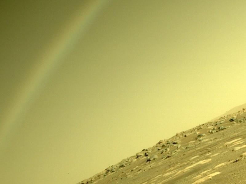 Colapsa redes sociales extraño arcoíris captado por Perseverance en Marte