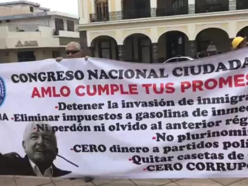 Colimenses protestan en contra del gobierno de AMLO