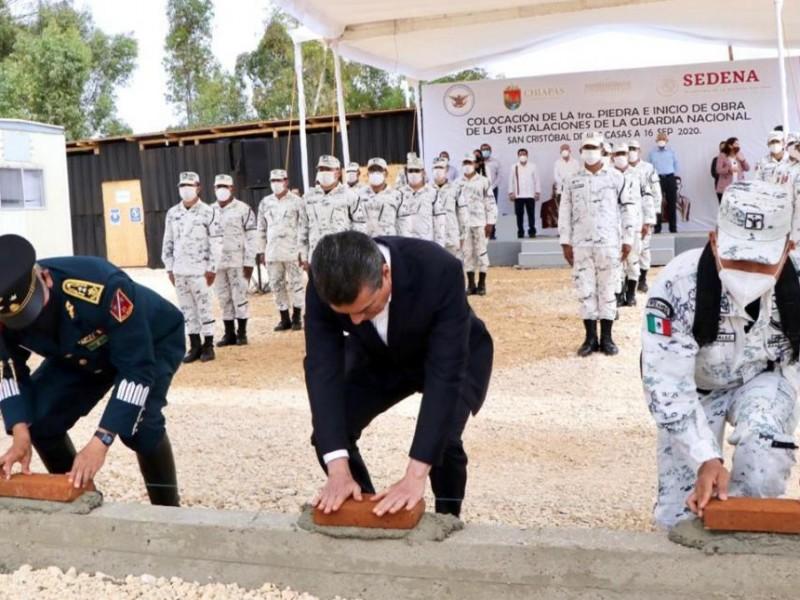 Colocan autoridades primera piedra de instalaciones de la GN
