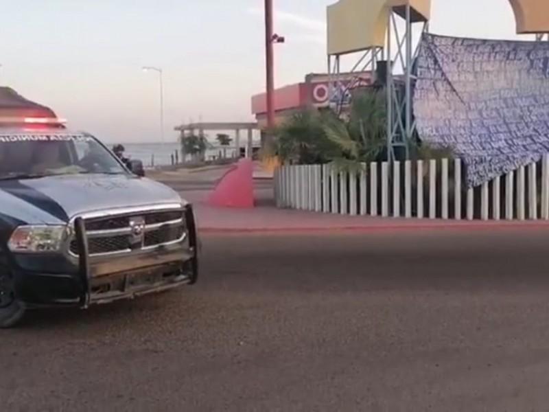 Colocan tres mantas con narcomensajes en Guaymas y Empalme