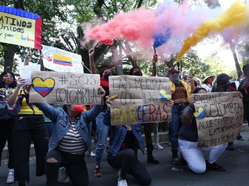 Colombianos protestan en CDMX contra la