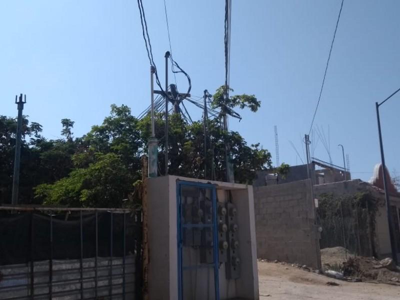 Colonia La Joya afectada en luz eléctrica
