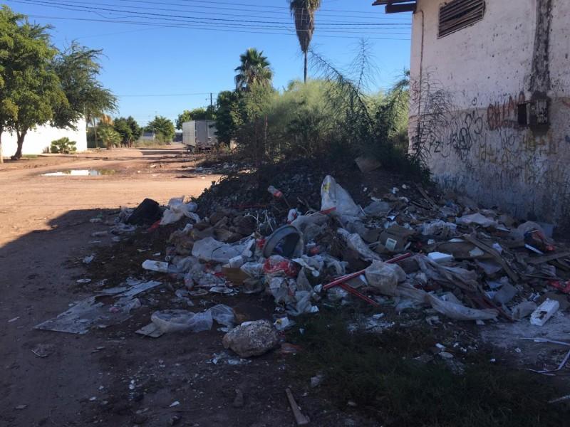Colonia Miguel Hidalgo entre escombros y basura
