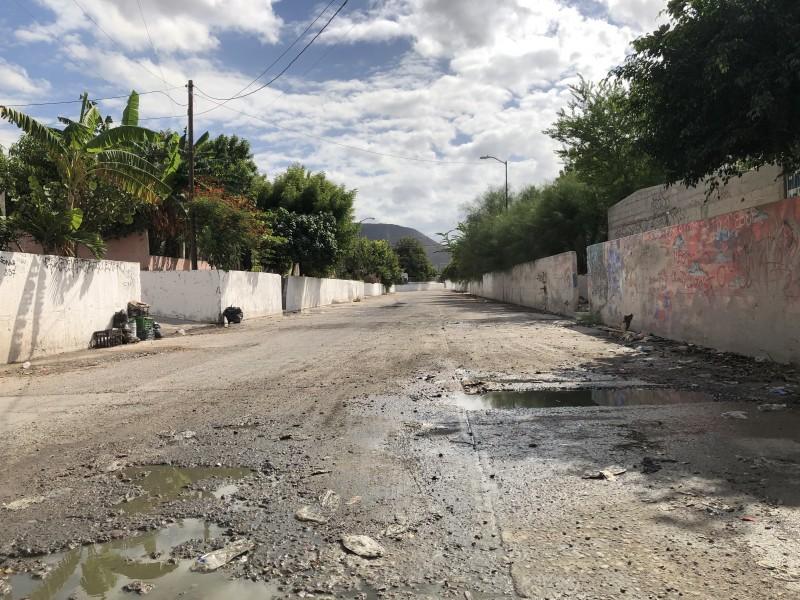 Colonias sufren el desabasto de agua en La Paz