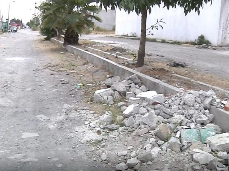 Colonos de San Juan Bautista piden pavimentación de calle