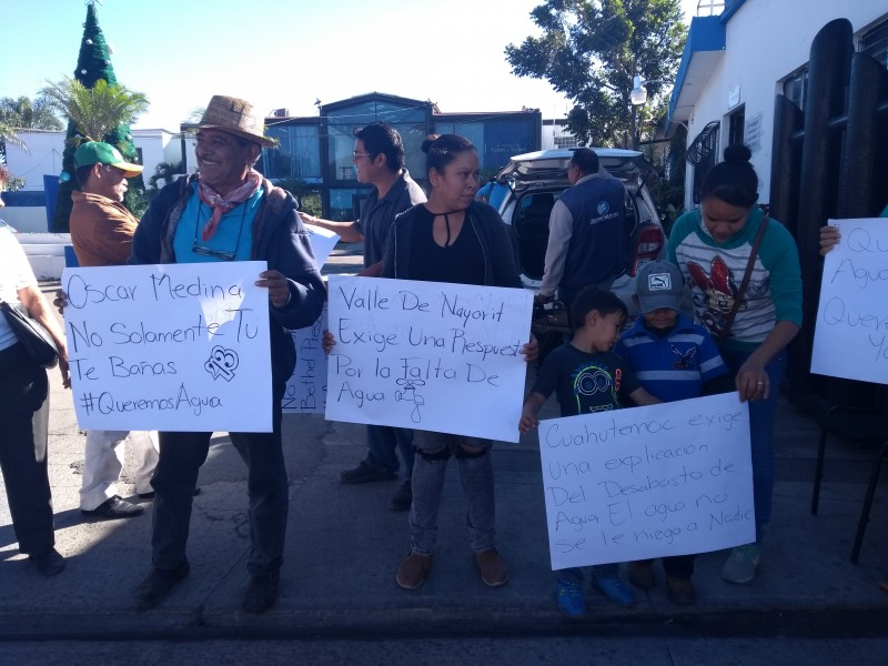 Colonos del Distrito VI toman SIAPA Tepic