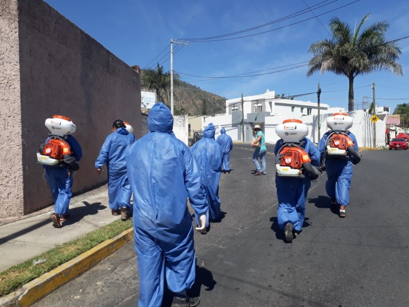 Combatientes de coronavirus arriesgan todo para acabar con la pandemia