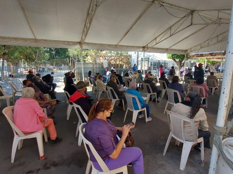 Comenzarán segundas dosis en Puerto Vallarta, Los Altos y Ciénega