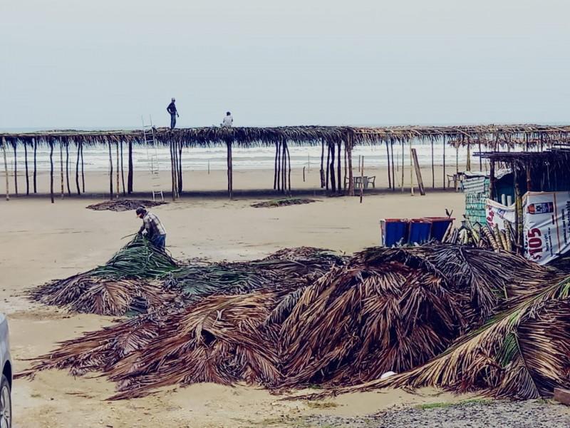 Comerciantes de la playa contemplan temporada baja en Tuxpan