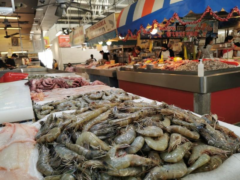 Comerciantes de mariscos reportan buenas ventas por Fin Largo