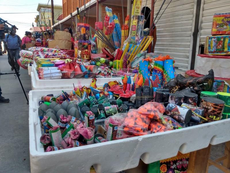 Comerciantes de pirotecnia se instalan sin autorización