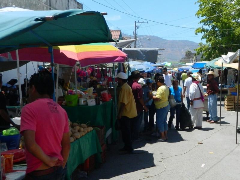 Comerciantes en pequeño buscan acercamiento con Ayuntamiento capitalino