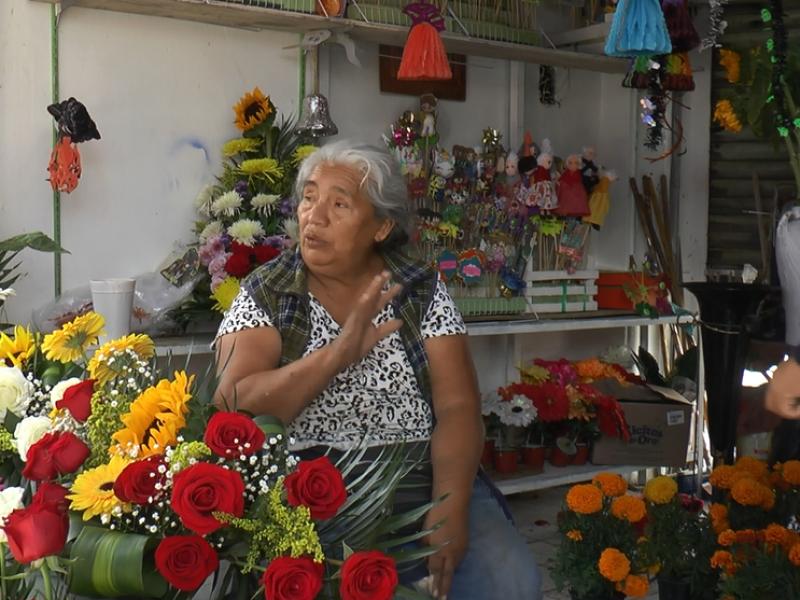 Comerciantes esperan que incrementen sus ventas este Día de Muertos