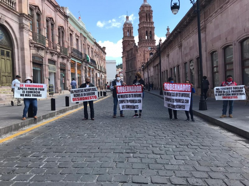Comerciantes exigen el apoyo económico prometido por Tello en marzo
